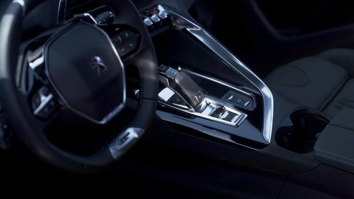 Más tecnología y confort para los nuevos Peugeot 3008 y 5008.