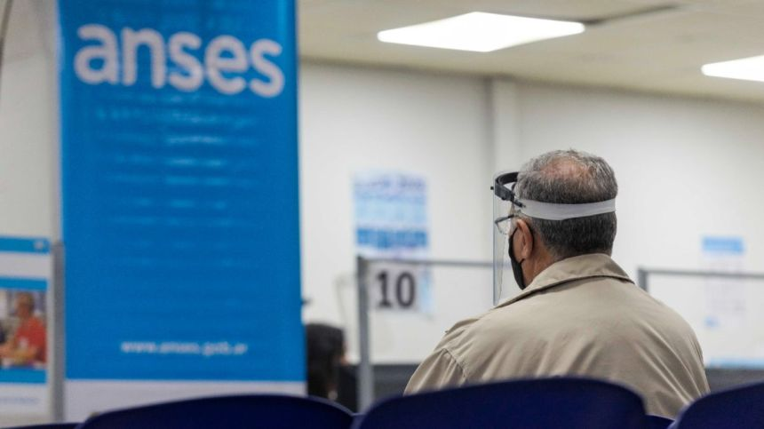 ANSES ofrece créditos para los adultos mayores
