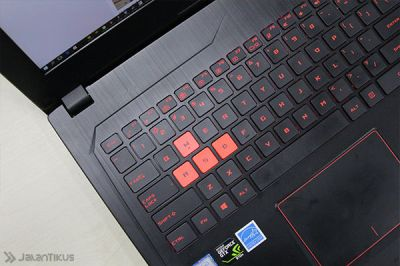 keyboard laptop gaming