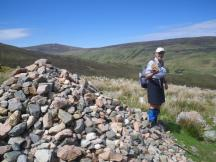 0610 Kinlochleven to Fort William 5 Campbell cairn