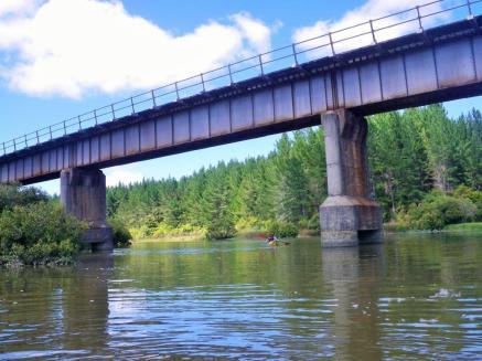 01-topuni-river