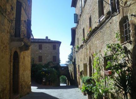 Pienza-to-Montepulciano-1