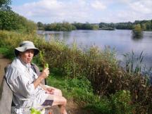 wpid-Ricksmanworth-gravel-lakes-lunch.jpg