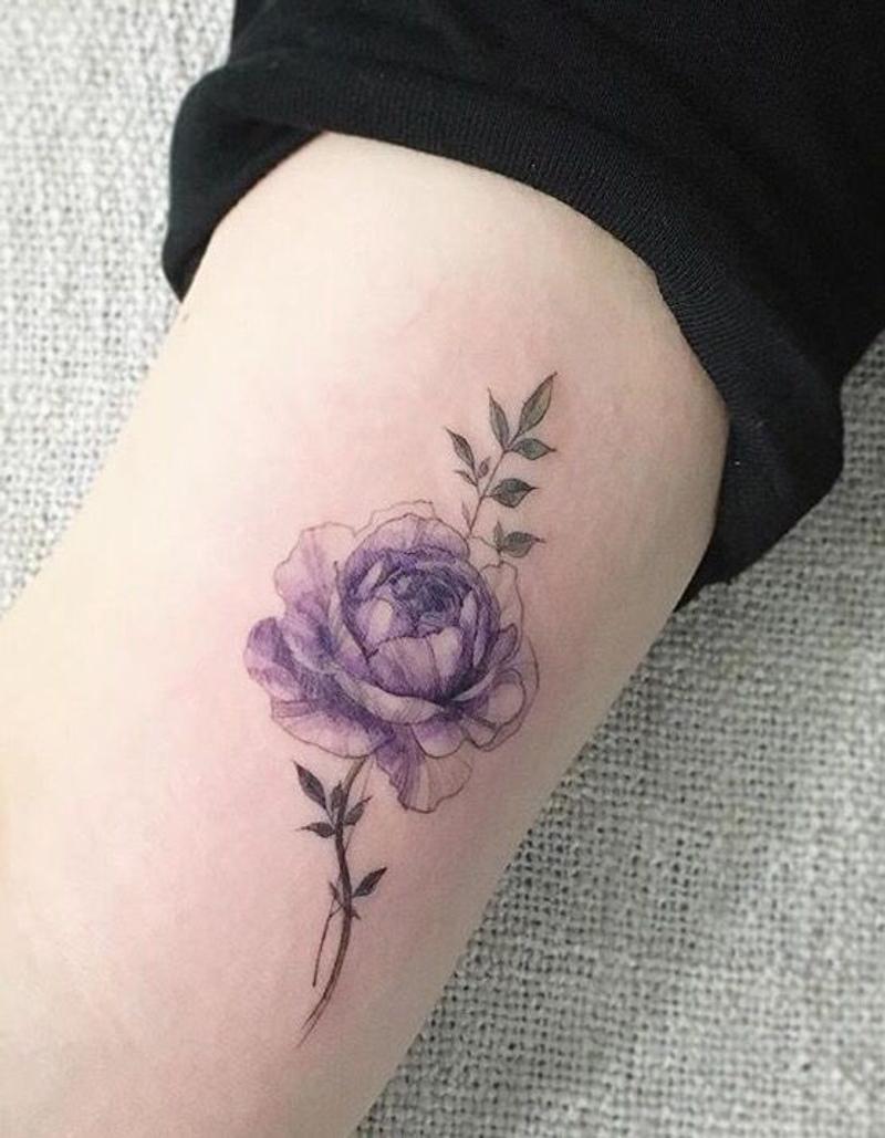 送自己一朵玫瑰,妳最想刺在哪?這些「玫瑰刺青」給妳滿滿大靈感! - JUKSY 街星