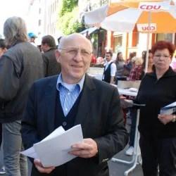 Kurt Wansner (CDU) am 1. Mai in Berlin-Kreuzberg Foto: JF