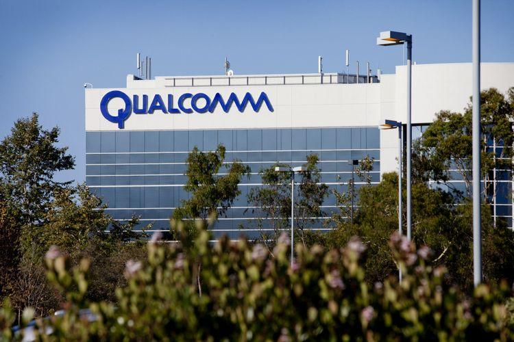 Papan nama Qualcomm Inc. di gedung kantornya di La Jolla, California, AS.