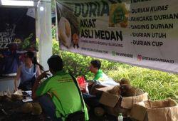 "Ribuan Durian Ludes Di ""Festival Gila Durian"" Depok"
