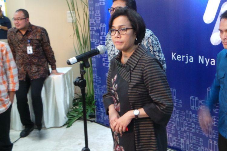 Menteri Keuangan Sri Mulyani saat konferensi pers seusai Hari Oeang, di Gedung Dhanapala, Jakarta Pusat, Kamis (26/10/2017).
