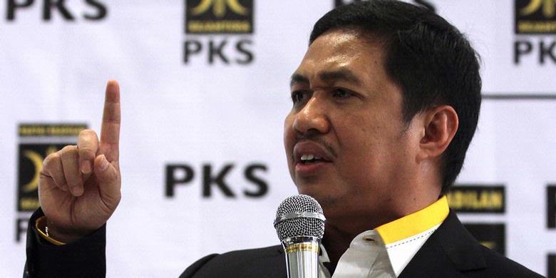 Presiden PKS tertunjuk. Anis Matta/Kompas.com