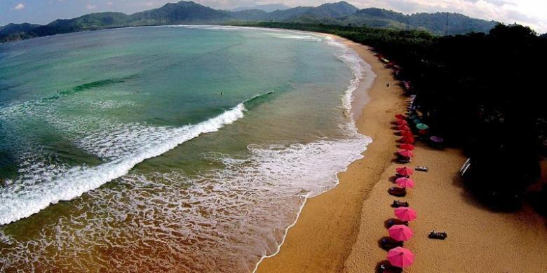 pantai merah banyuwangi