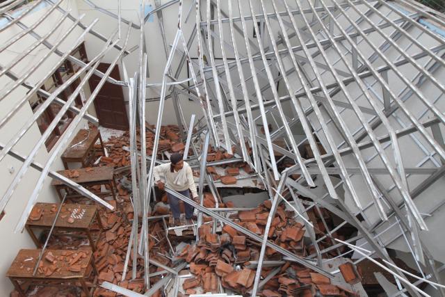 harga atap baja ringan asbes aman selama mengikuti kaidah teknis kompasiana com
