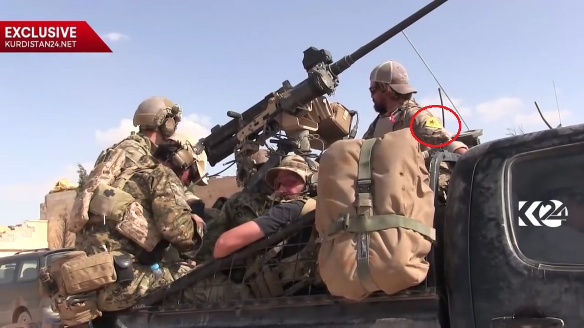 US-soldiers still with kurdish YPG badges- makes Turkey not happy Sumber https://pbs.twimg.com/media/CsZdl_nWAAA-I_t.jpg:
