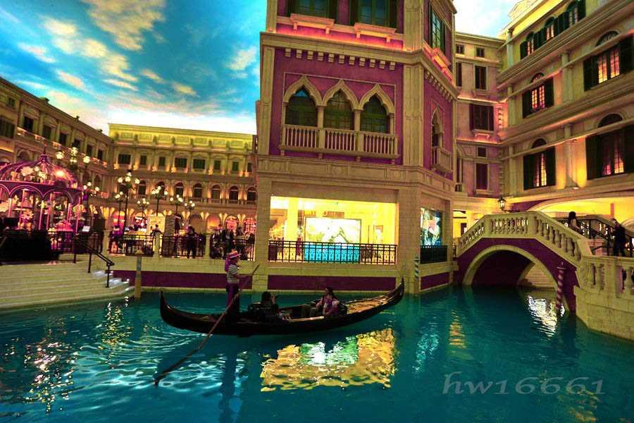 Suasana Kota Venizia tiruan di Hotel The Venezian, Macau. (Foto: Dok. Pribadi)