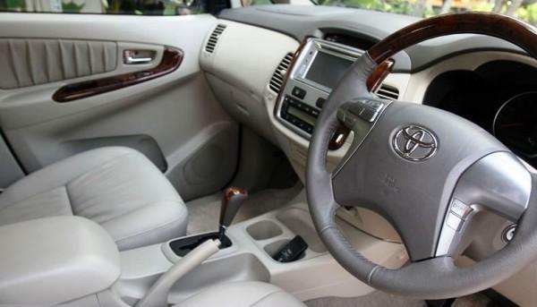 konsumsi bbm all new kijang innova diesel harga grand avanza matic test drive toyota facelift 2 5 v a t nyaman mewah mengingat treknya yang tergolong lumayan berat karena harus menanjak ke jalan perbukitan ternyata tak membuat ini nampak