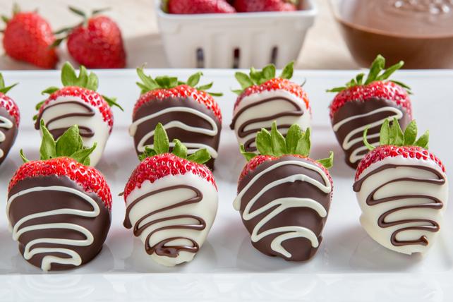 https www kraftwhatscooking ca fr ca recette fraises au chocolat mi sucre arrosees de chocolat blanc 194212