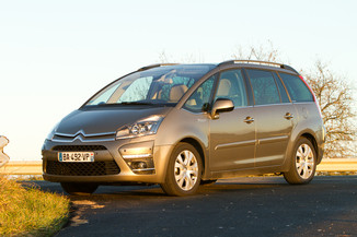 citroen grand c4 picasso vs ford galaxy