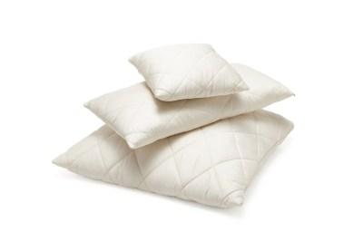 pillows filled with little balls of virgin wool 80 80 cm