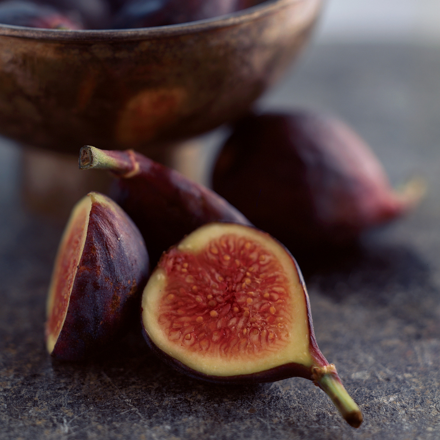 Pan Seared Figs On Baby Greens With Hazelnuts