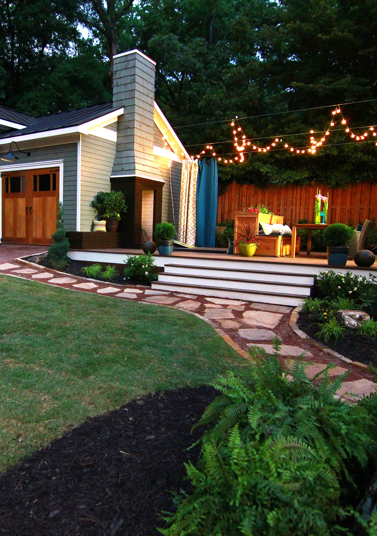 How to Turn a Small Backyard into an Entertaining Oasis ...
