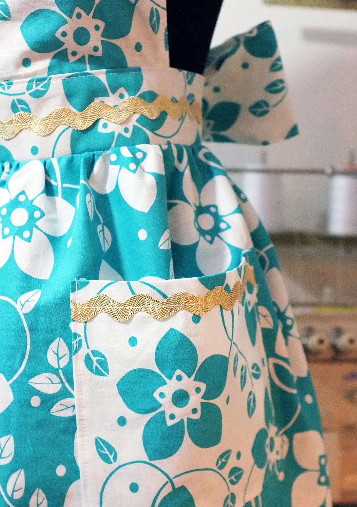 How to Sew Your Own VintageInspired Apron  Martha Stewart