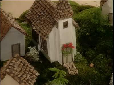 Video Making Pine Cone Homes Martha Stewart