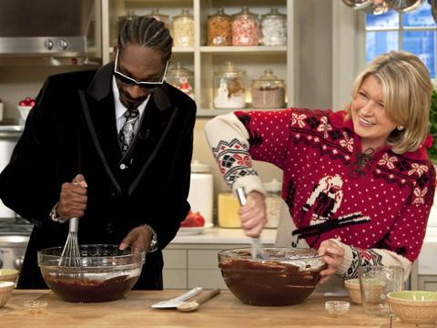 Video Martha and Snoop Dogg Make Brownies  Martha Stewart