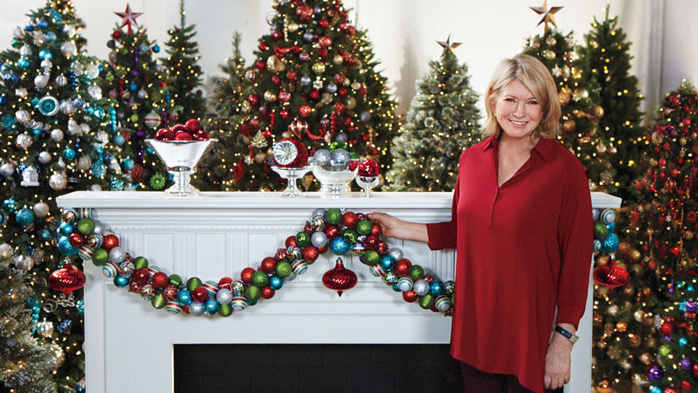 Video: Ask Martha: Creating An Ornament Garland