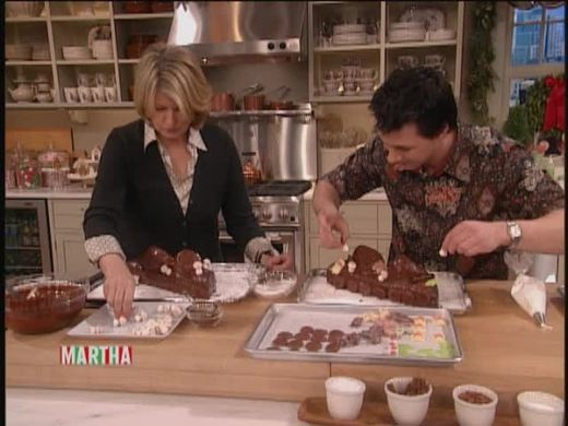 Video Johnny Iuzzini Makes A Buche De Noel With Martha