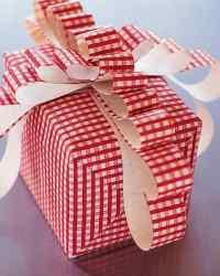 Gift Wrapping: Floppy Bow   Martha Stewart