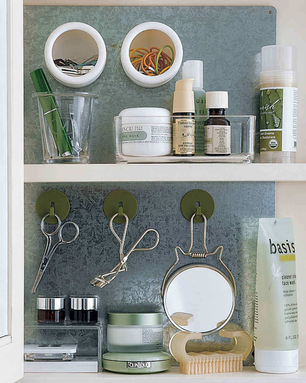 How To Organize A Bathroom Bathroom Organization Tips Martha Stewart