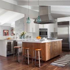 Updated Kitchens Pink Wooden Kitchen 如何在不失去特色的情况下更新厨房martha Stewart 188金博网 中世纪 厨房 改造 0116 Jpg Skyword 219116