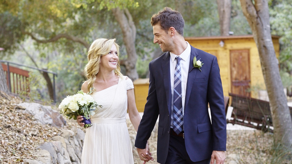 Exclusive The Offices Angela Kinsey Is Married Martha