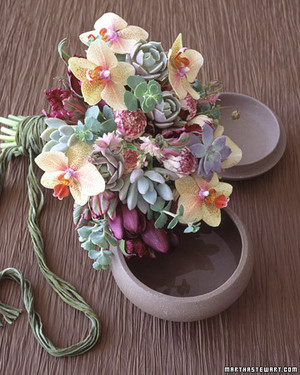 This Bouquet From Martha Stewart Weddings Is Made Entirely Of Tissue Paper Click On The