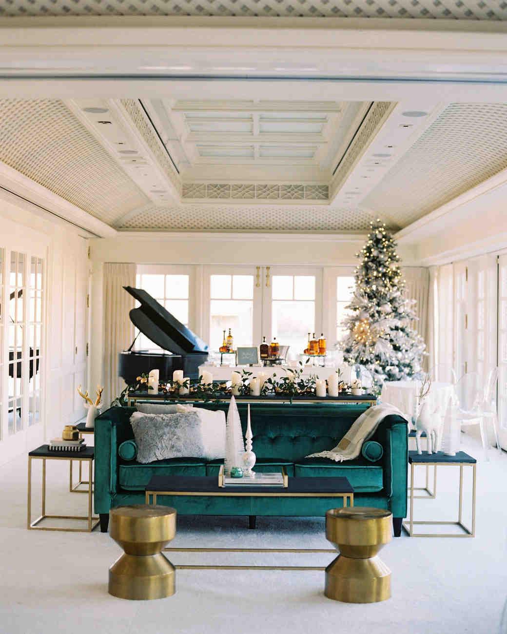36 Winter Wedding Ideas for a Cozy Festive Fte  Martha