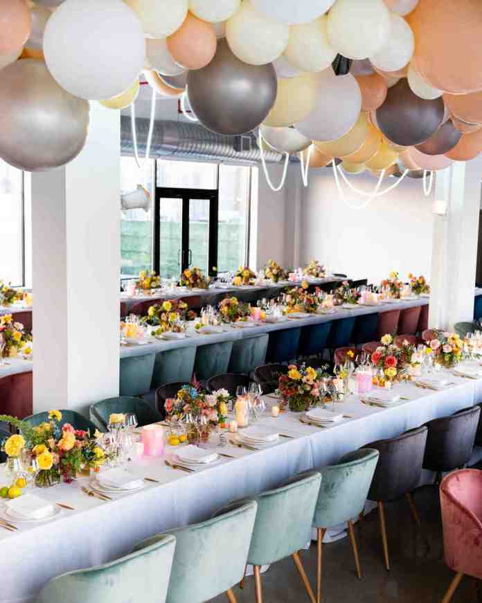 balloon installation over reception table