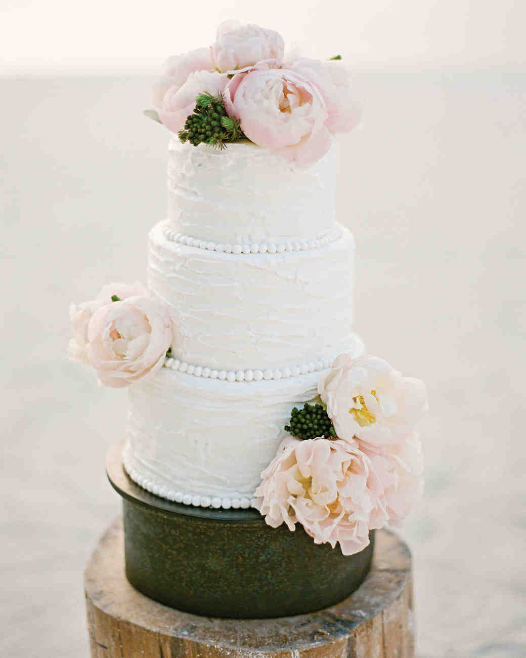Wedding Cakes With Fresh Flowers Martha Stewart Weddings