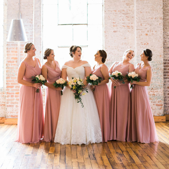 The Best Bridesmaid's Dress Colors for Fall Weddings