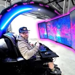 High End Computer Chair Linen Dining 宇宙船のコックピットみたいな約330万円のゲーミングpcセットアップ | ギズモード・ジャパン