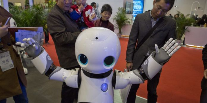 Robot Inspire of Xinhua of China was launched in 2017 Two Sessions meeting  as an intern reporter.