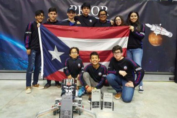 Jóvenes de escuela pública pasan a competencia mundial de robótica