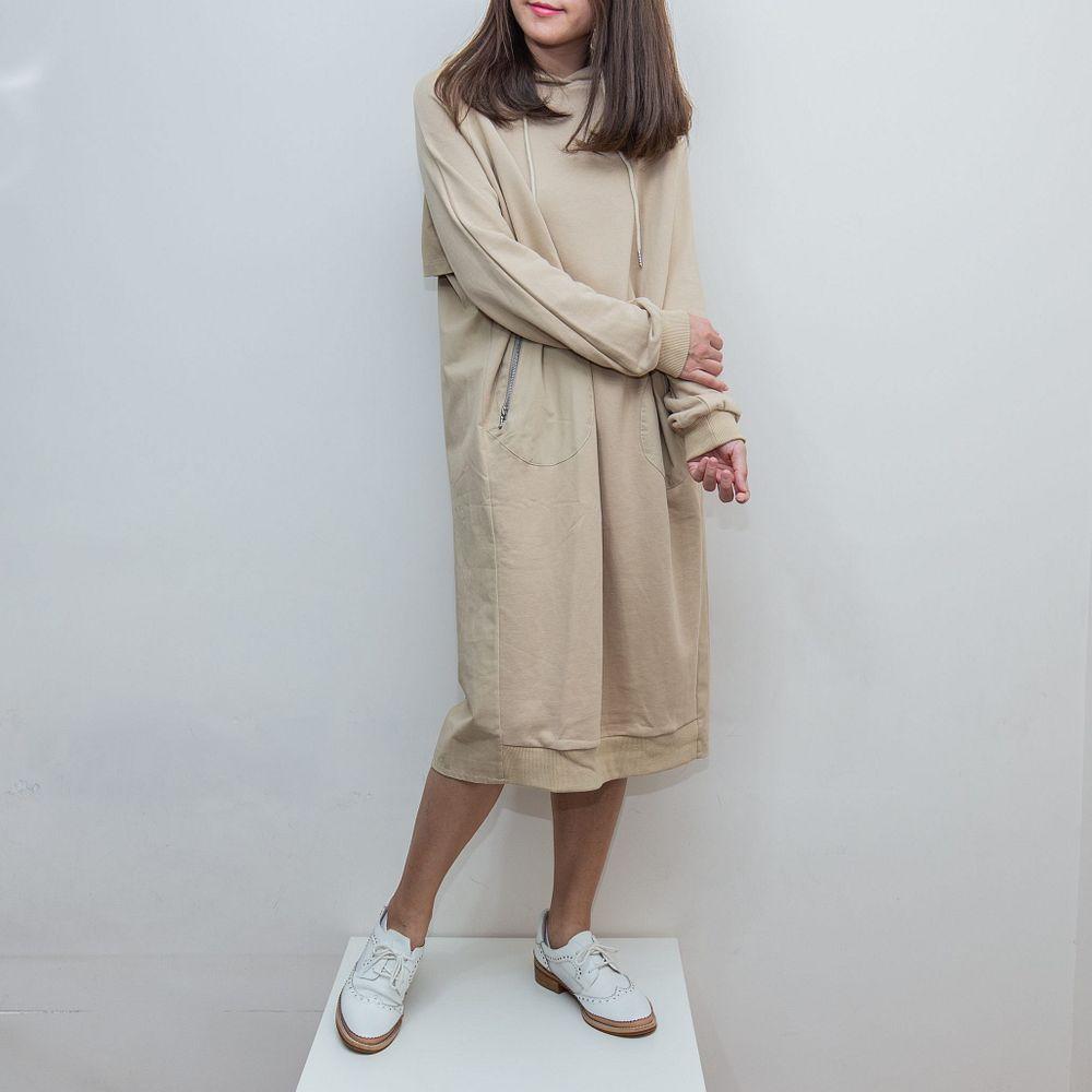 日系寬衛衣併風褸質連身裙-淺卡其 - 文青女裝