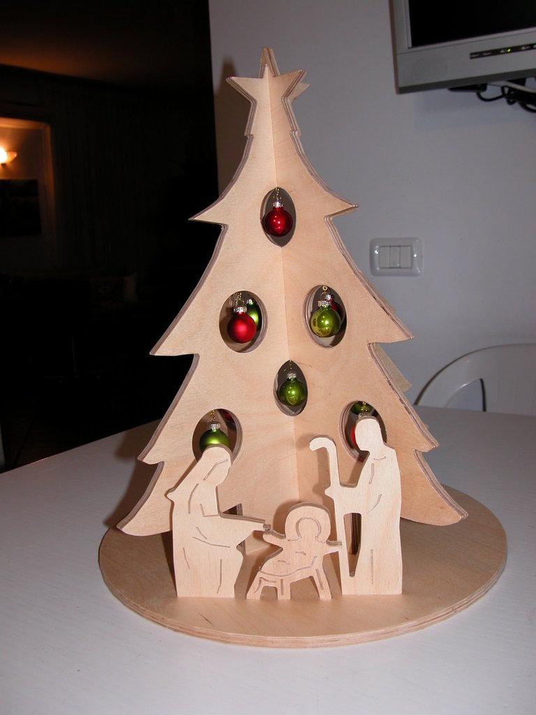 ALBERO DI NATALE CON PRESEPE  Feste  Natale  di Hobby