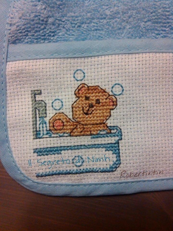 Bavaglino punto croce TEDDY IN BATH  Bambini  Per la