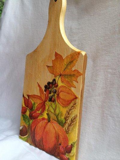 Tagliere in legno decorato con tecnica decoupage  Per la casa e pe  su MissHobby