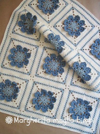 Copertina neonato  culla in lana e cotone lavorata a mano