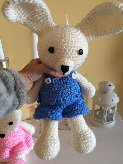 coniglietto amigurumi uncinetto  Per la casa e per te  Bambole e   su MissHobby