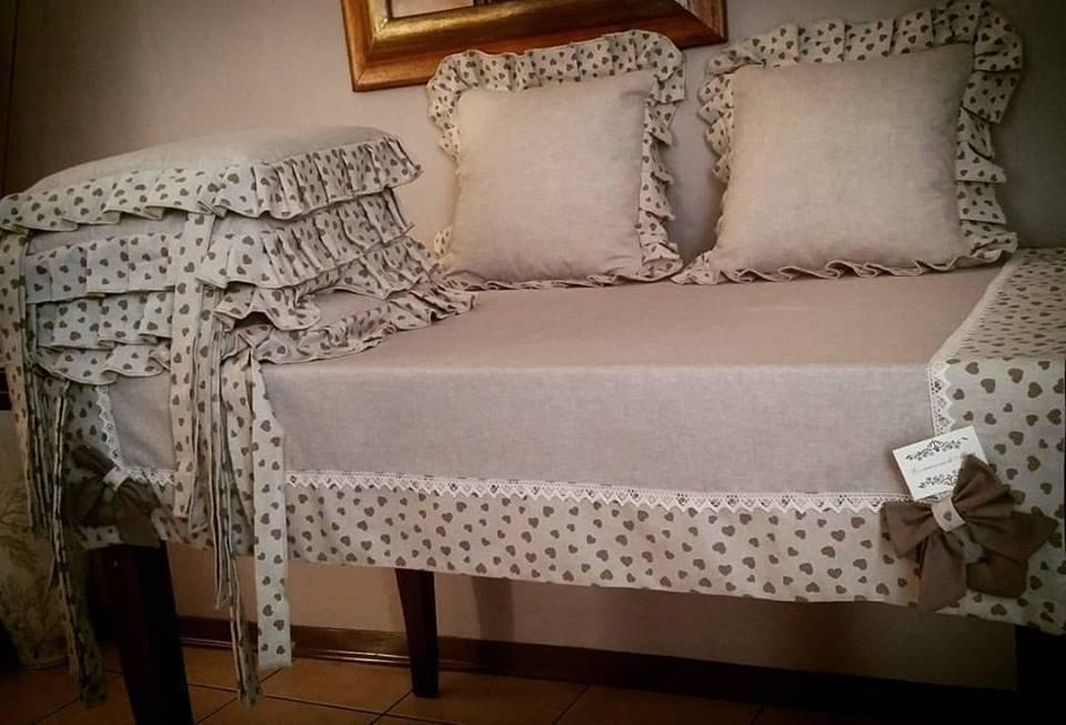 coordinato tovaglia piu cuscini per sedie e 2 per divano