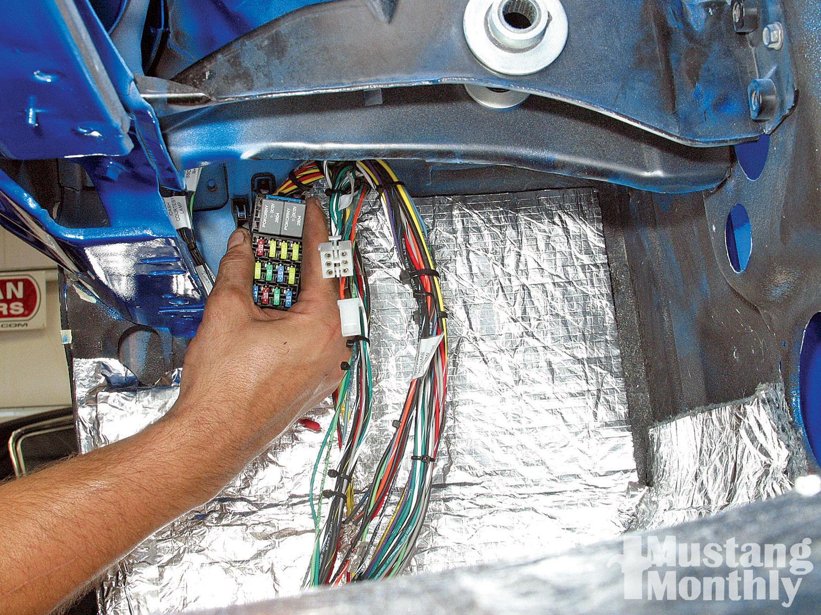 mump 1002 10 o 1965 ford mustang fastback install fuse box 2 [ 1600 x 1200 Pixel ]