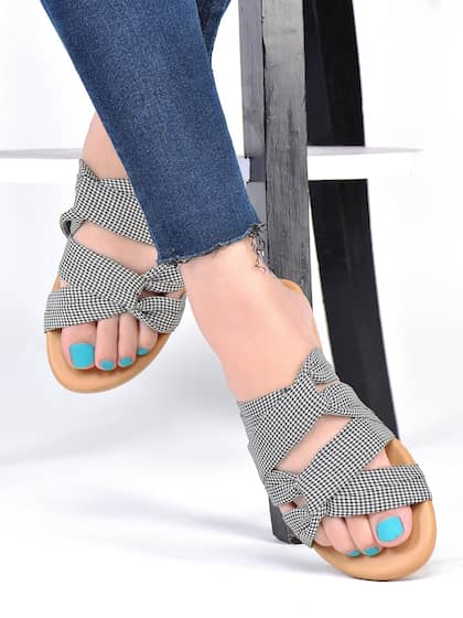 Telugu Fashion News On Sandals And Matching Jeans