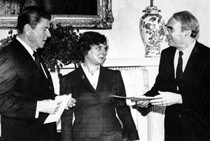 US President Ronald Regan poses with Ambassador Allan Gotlieb and his wife Sondra at a diplomatic credential presentation ceremony at the White House in this Dec. 8, 1981 file photo. The elder statesman among all the former diplomats who've served as Canada's ambassadors to the United States says he's never seen the relationship between the two national governments quite this cool. THE CANADIAN PRESS/AP,Barry Thumma